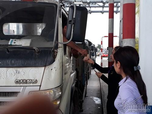 Tai sao tai xe dung tien le qua BOT Nam Binh Dinh?