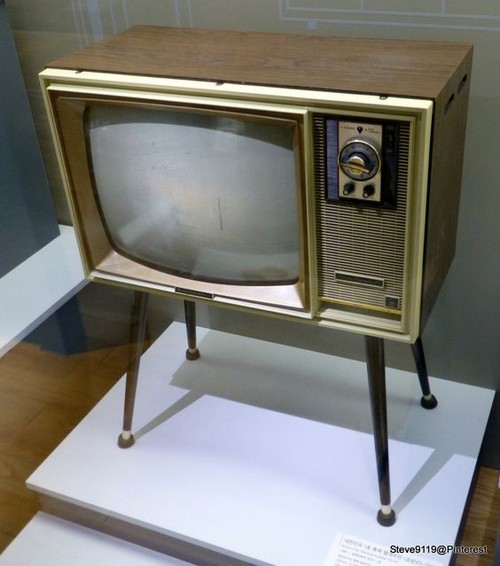 5 mau TV lam nen ten tuoi cua LG tu nam 1966