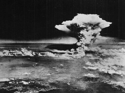 Chuyen gia My: Nem bom nguyen tu xuong Hiroshima la toi ac