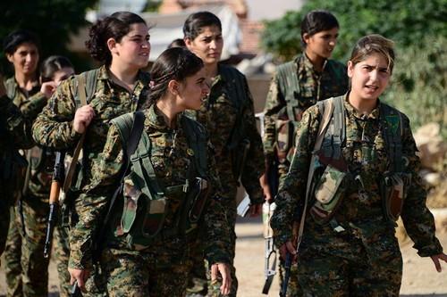 Dang sau su hop tac giua Nga va nguoi Kurd o Syria