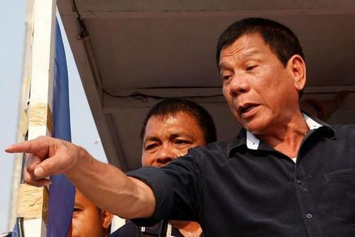 "Philippines ""vach mat"" nhung ke dinh lat do Tong thong Duterte"