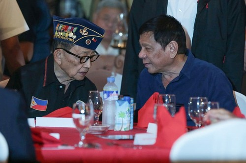 "Philippines: ""Thay"" Ramos che ""tro"" Duterte thieu tam nhin chien luoc"