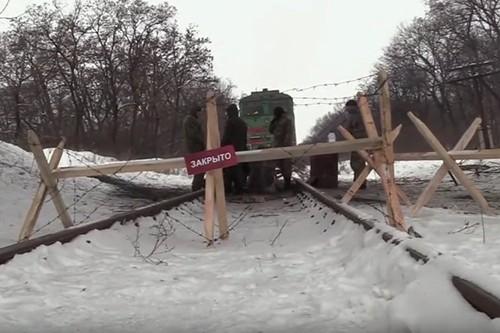 Ukraine day Donbass roi vao vong tay Nga?