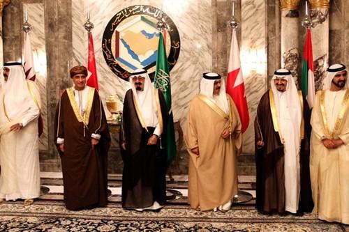 Cac nuoc Arap cat dut quan he voi Qatar: Muu mo phuc tap
