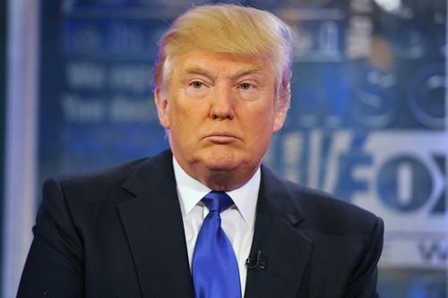 Tong thong Donald Trump siet chat du lich, kinh doanh voi Cuba