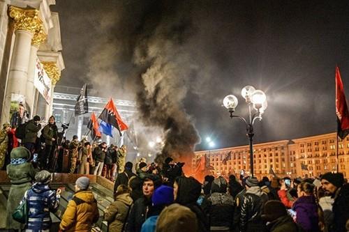 Vi sao Ukraine chim sau trong hon loan?
