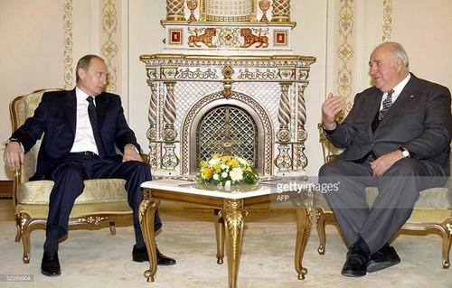 Ai da anh huong lon den the gioi quan cua Tong thong Putin?-Hinh-2