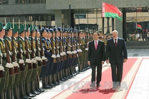 Tong thong Belarus don, hoi dam voi Chu tich nuoc Tran Dai Quang