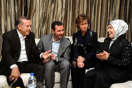 Tho Nhi Ky tim cach hoa giai voi Assad vi hiem hoa Idlib