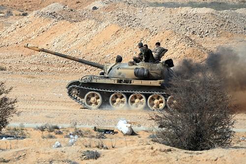 Quan doi Syria tien nhanh ve phia nam thanh pho Deir Ezzor