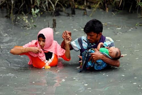 Tim hieu ve nguoi Rohingya - nhom dan toc dang bo chay khoi Myanmar
