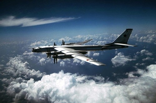 May bay nem bom chien luoc Tu-95MS huy diet IS va al-Nusra
