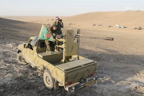 Phien quan IS phan cong du doi khap tinh Deir Ezzor-Hinh-3