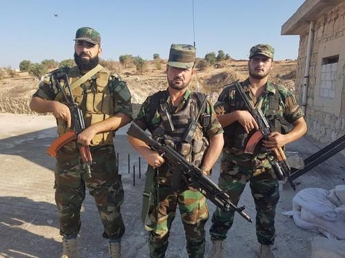 Quan doi Syria danh bat IS khoi duong cao toc Sukhnah-Deir Ezzor