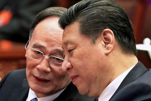 """Trung Quoc chong tham nhung: Tu """"da ho"""" chuyen sang """"dap ruoi"""""""
