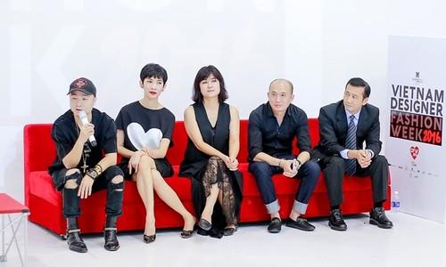 Do Manh Cuong pha loi the lam show chung voi NTK tre-Hinh-3