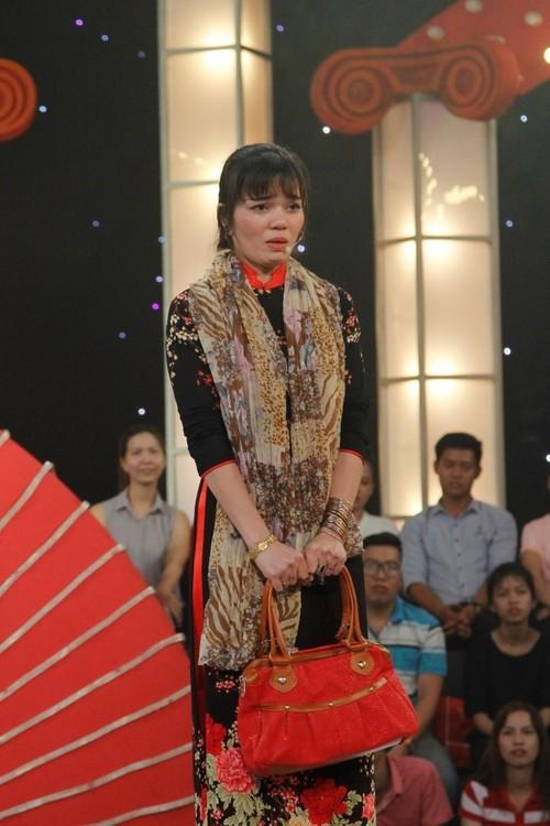 Co gai ha guc Tran Thanh Truong Giang danh 100 trieu