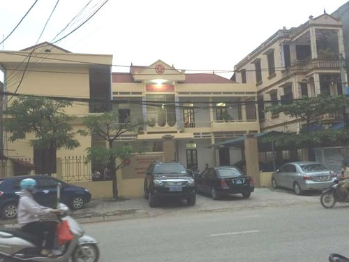 Tinh tiet bat ngo vu Vien truong KSND Quoc Oai bi trong thuong