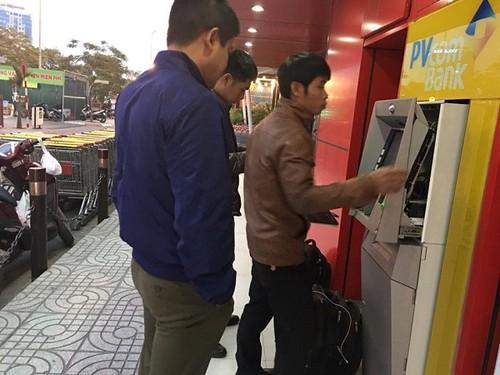 Su that cay ATM PVcomBank nha ra toan giay in chu 500 nghin-Hinh-2