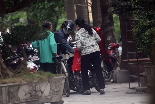 """""""Chan ret"""" ra suc cheo keo khach tin Thien Ngoc Minh Uy """"khong chet""""-Hinh-2"""