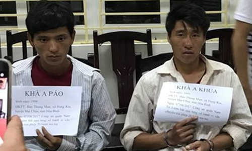 "Ha Noi: Khoi to ""doi ban"" ru nhau van chuyen 20 banh heroin"