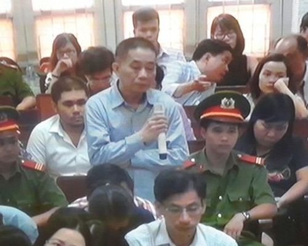 Diem nong 24h: Danh ghen nao loan trong benh vien lon nhat TPHCM-Hinh-7