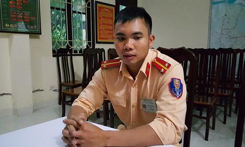 Vu chay o Xuan Mai: CSGT ke lai phut leo tuong cuu nguoi