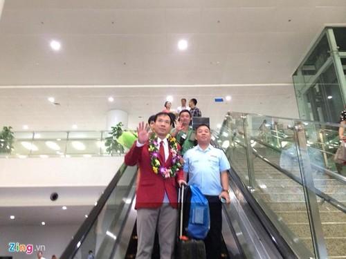 Xa thu Hoang Xuan Vinh duoc don tiep long trong o Noi Bai-Hinh-3