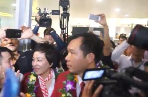 Xa thu Hoang Xuan Vinh duoc don tiep long trong o Noi Bai-Hinh-6