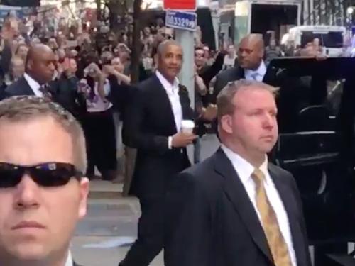 Obama xuat hien gay nao loan duong pho New York