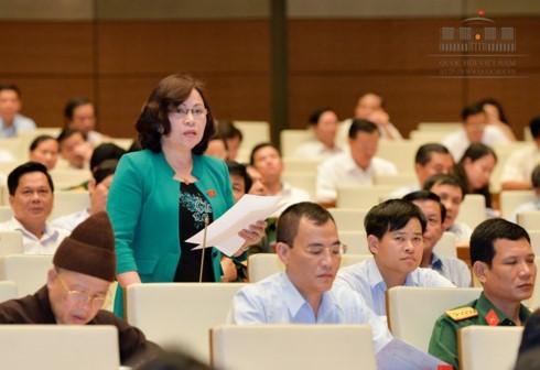 """De nghi sua Luat Can bo cong chuc: """"Khong chi de xu ly nguoi ve huu""""-Hinh-2"""