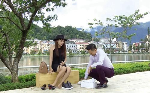 "Loat tinh tiet xem phat buc trong phim ""Song chung voi me chong"""