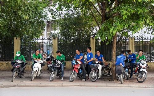 Grab, Uber tiet kiem chi phi cho nguoi dung, sao lai han che?