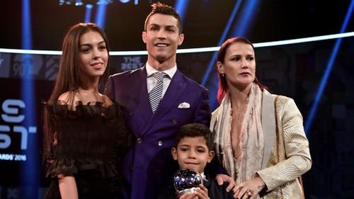 """Ronaldo sung suong khi """"len chuc bo"""" lan thu tu-Hinh-3"""