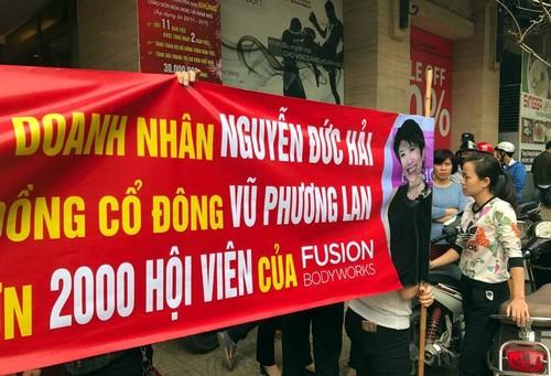 Nhung dai gia Viet bi kien tung on ao nam 2016-Hinh-2
