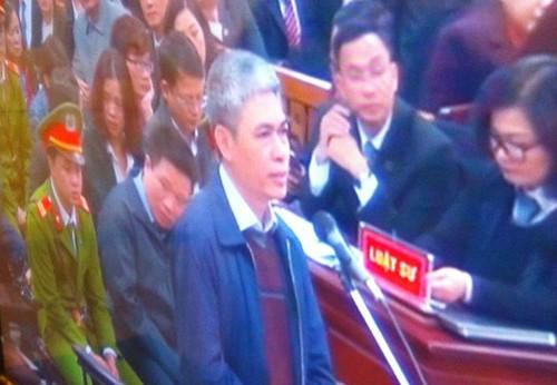 """Dai an OceanBank: Nguyen Xuan Son """"phui tay"""" trach nhiem chi lai ngoai"""