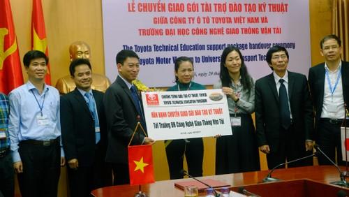 TMV tang thiet bi ky thuat cho DH Cong nghe GTVT Ha Noi-Hinh-4