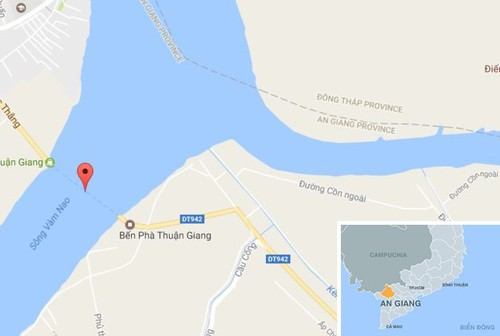 Oto tong nhan vien pha Thuan Giang tu vong roi lao xuong song-Hinh-2