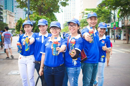 "Hang ngan nguoi ""phu xanh"" pho di bo co vu Doan The thao Viet Nam-Hinh-13"