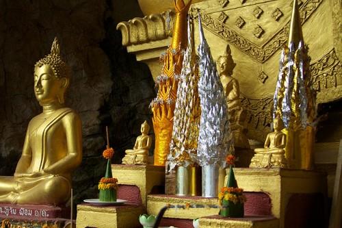 Luang Prabang, thanh pho cua nhung ngoi chua vang linh thieng-Hinh-4