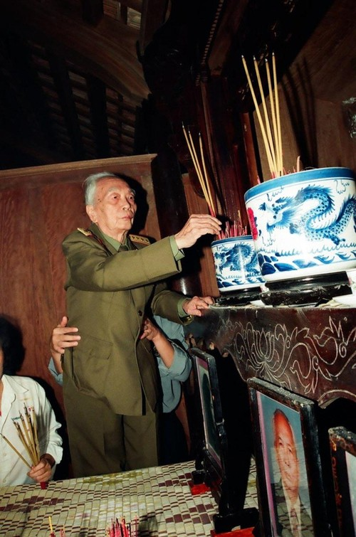 Bua com voi hai qua trung cua vo chong Tuong Giap-Hinh-11
