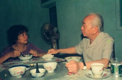 Bua com voi hai qua trung cua vo chong Tuong Giap-Hinh-3