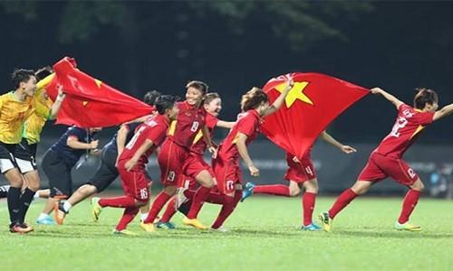 """Vo dich SEA Games 29, tuyen nu Viet Nam nhan """"mua"""" tien thuong"""