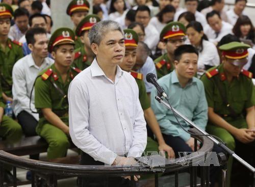 Diem nong 24h: Ha Van Tham thanh khan, Nguyen Xuan Son quanh co