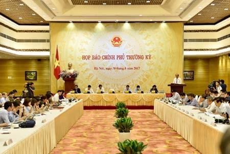 "Diem nong 24h: Nguyen Xuan Son khai DS nguoi nhan tien ""cam on"""