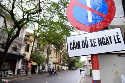 "Diem nong 24h: Nam thanh nien ""tung cuoc"" vao nu tai xe-Hinh-4"