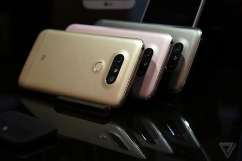 "3 smartphone 6 trieu co cau hinh ""trau bo"" nhat hien nay"