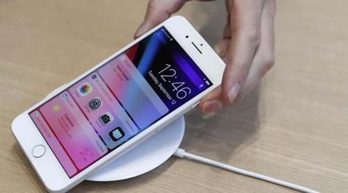 Lan dau trong lich su, iPhone moi khong chay hang
