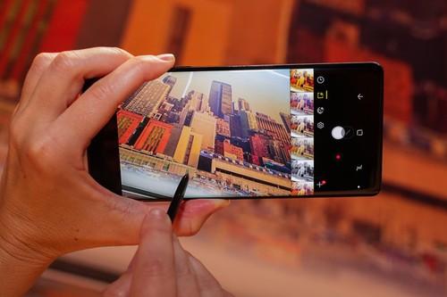Vi sao man hinh Galaxy Note 8 duoc danh gia toan dien nhat hien nay?-Hinh-2