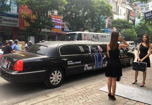 Dung limousine dua don khach den nhan Note 8